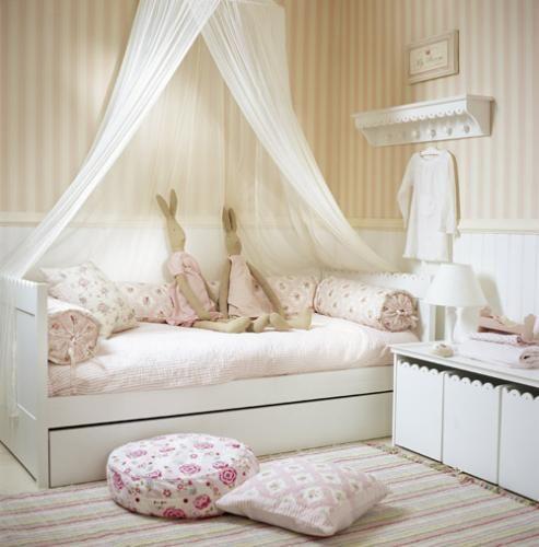 amenajare camera copilului - pat baldachin