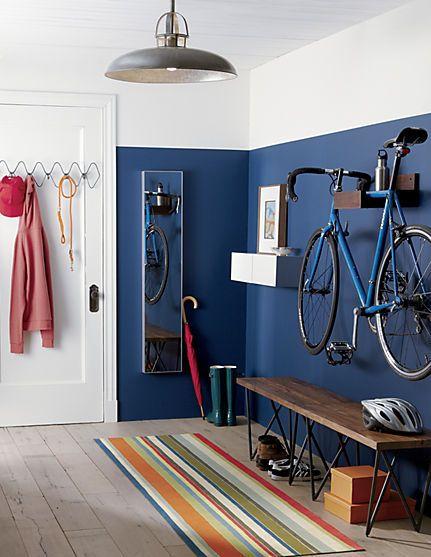 holul design interior - bicicleta suspendata