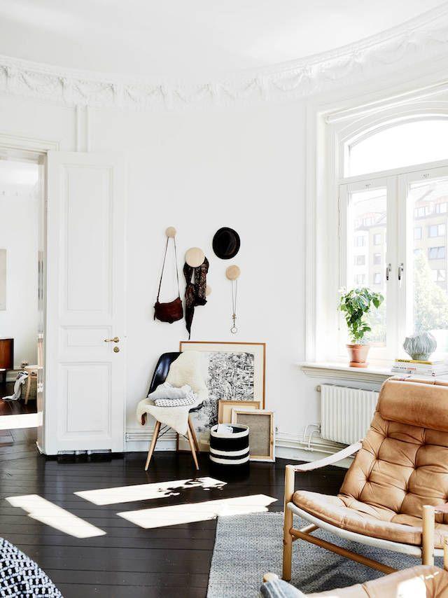 design interior amenajare alb scaun piele