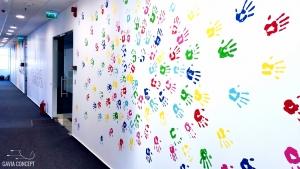 Amenajare creativa hol amprente multicolore
