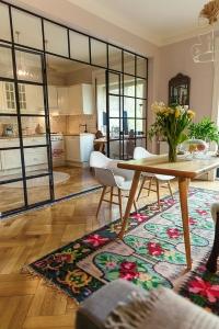design interior living traditional romanesc