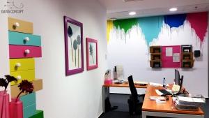 Amenajare birou perete multicolor rame