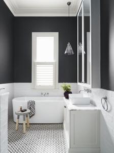 design interior baie alb-negru