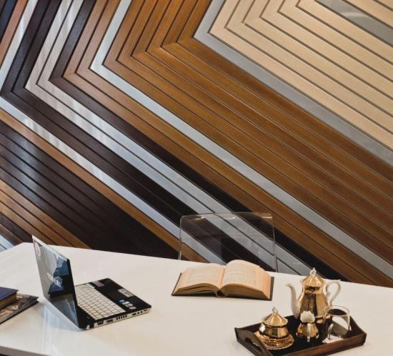 birou consultanta geometric maron alb google desk