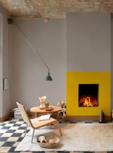stil minimalist design interior semineu galben accent