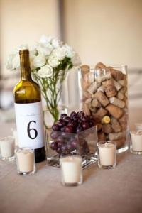 aranjament masa sticla de vin dop sticla pluta