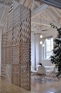 design interior paleti pereti despartitori