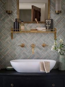 gavia concept design interior baie chiuveta oglinda