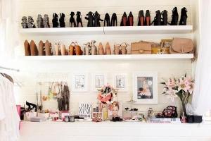 gavia concept design interior expunere pantofi